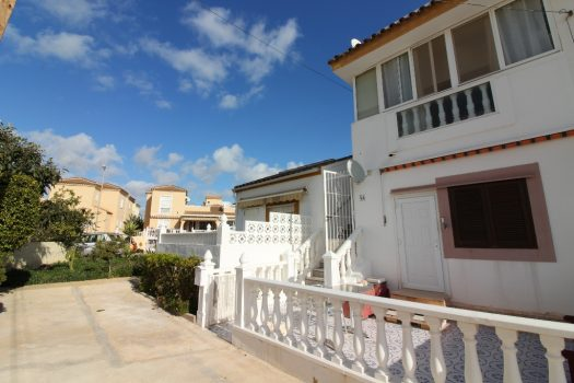 Top floor private solarium Playa Flamenca Horizonte Bargain reduced cheap property