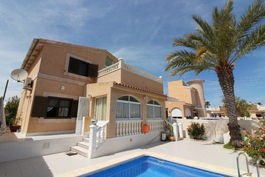 Villa in Playa Flamenca for sale Villa for sale Playa Flamenca with private pool