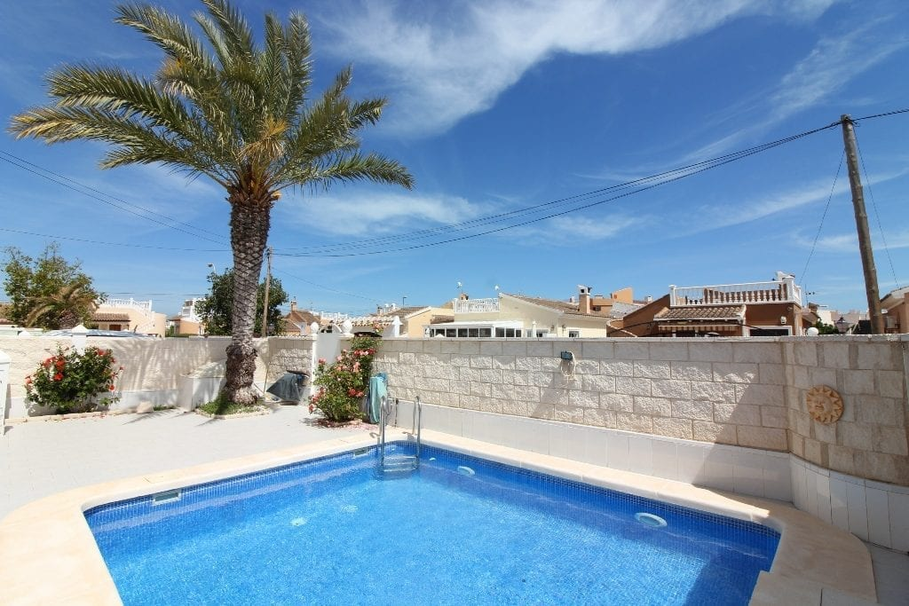 Villa in Playa Flamenca for sale with private pool
