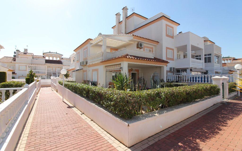 Zeniamar Playa Flamenca villa for sale REDUCED – NOW 150,000€